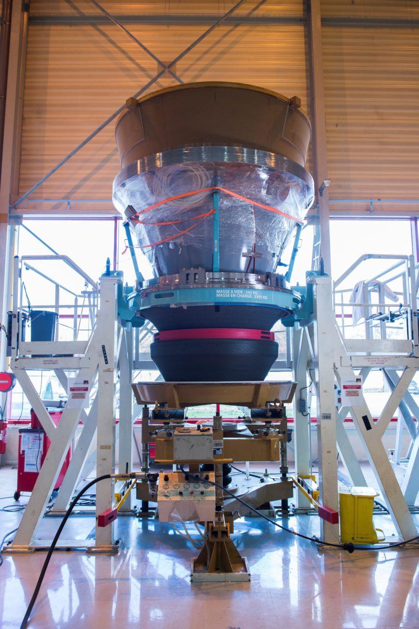 La 1ere tuyère du booster P120 commun à Ariane 6 et Vega-C en route vers Kourou