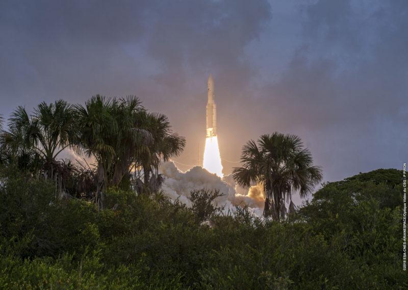 Ariane 5 réussit son 6e lancement de l'année