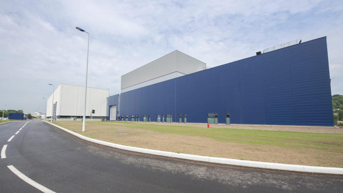 Les premières pièces sont en cours d'intégration dans le bâtiment Ariane 6 aux Mureaux