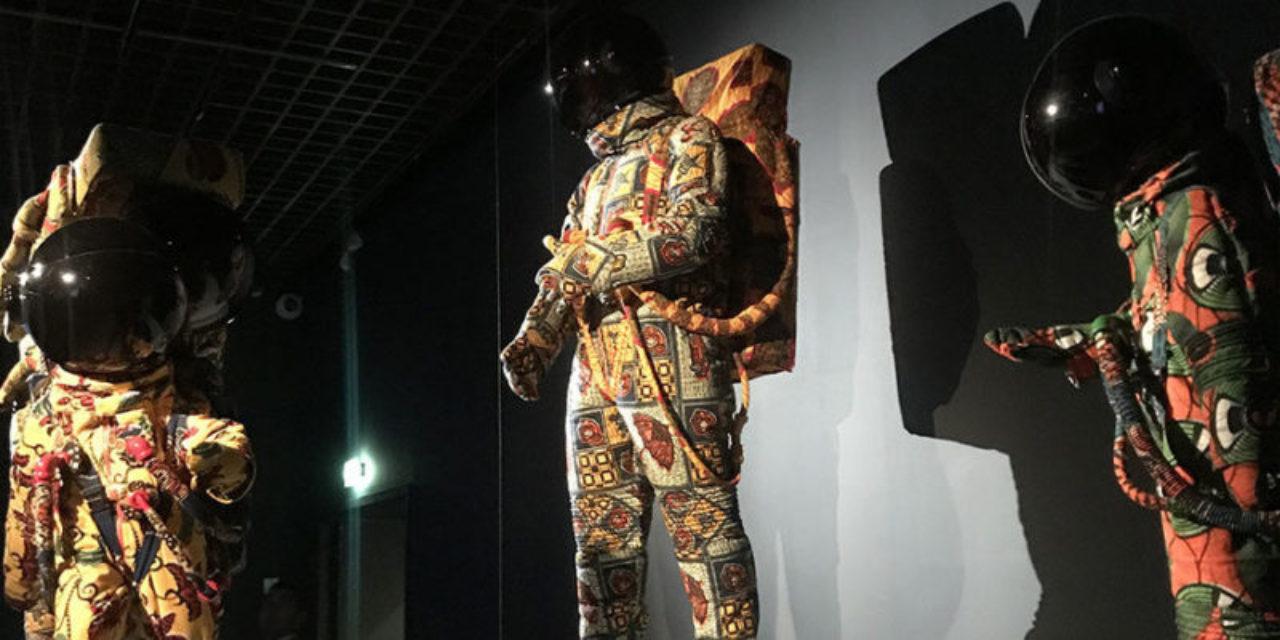 "Yinka Shonibare, "" Vacation "", 2000<br /> Exposition Lune - Grand Palais - 2019"