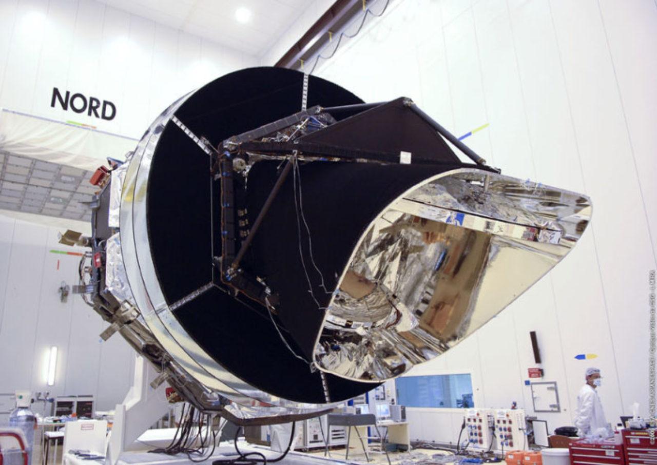 Planck diente der Untersuchung der unmittelbar nach dem Urknall entstandenen kosmischen Hintergrundstrahlung: grundlegende Informationen zur Geburt des Universums und zu den Anfängen der Struktur des Kosmos.