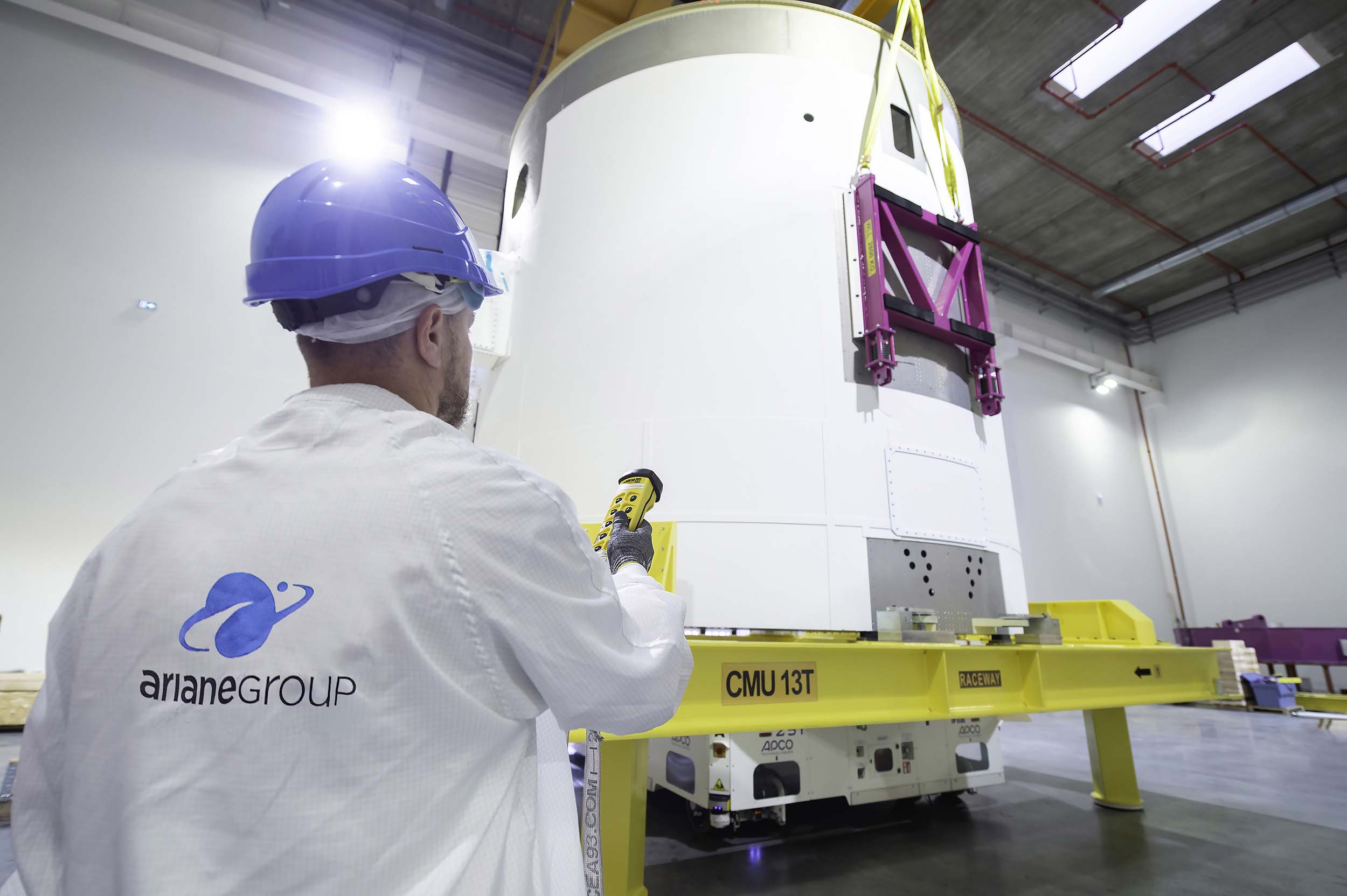 Arrival of the Vulcain Aft Bay (VuAB) flight model for Ariane 6 at Les Mureaux