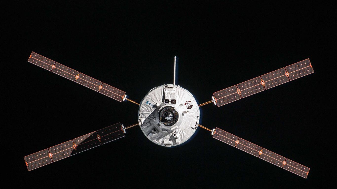 Once upon a launch: Flight VA213 – Albert puts lasagne on the astronauts' menu