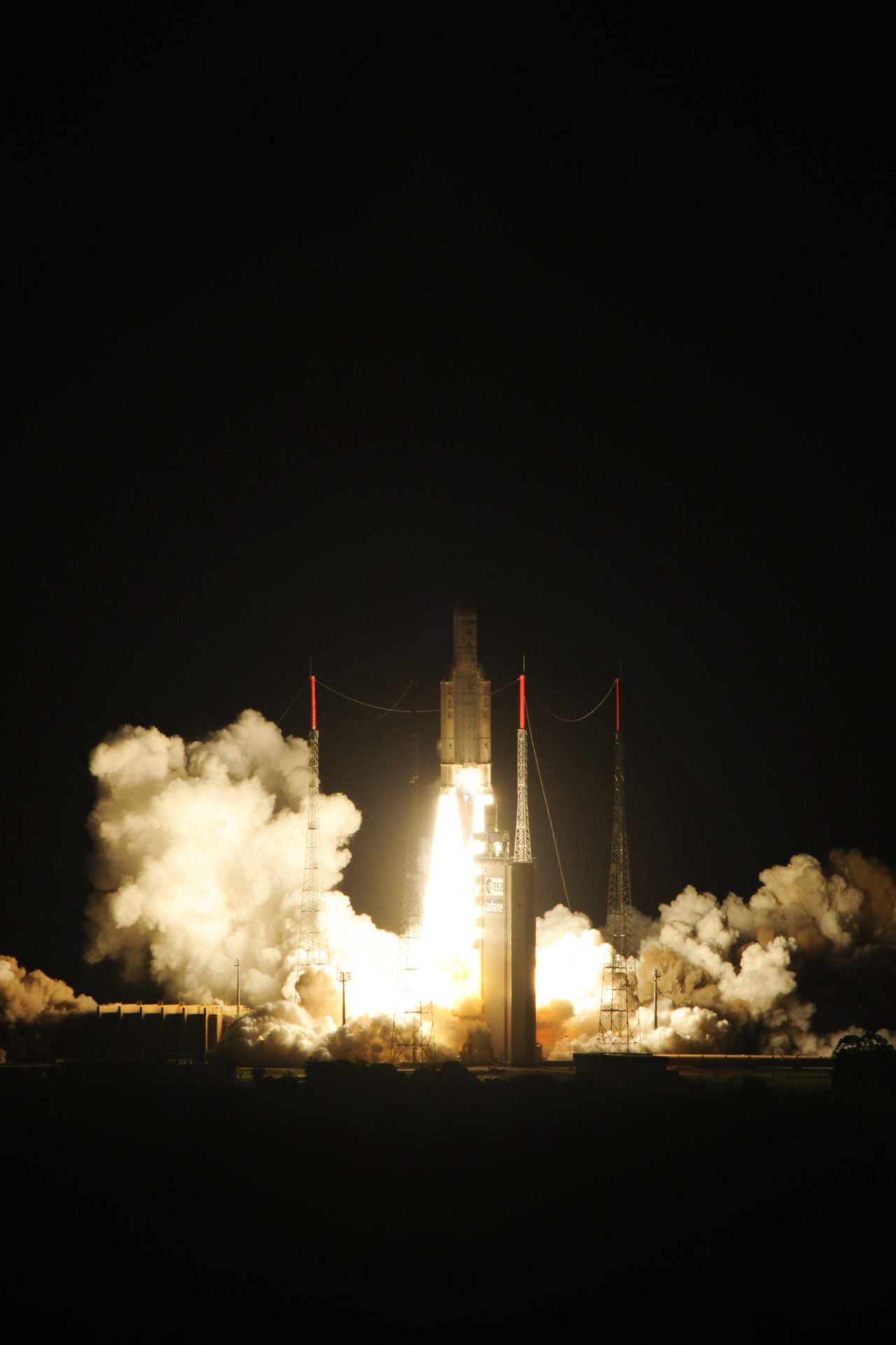 This needed a special version of Ariane 5: Ariane 5 ES, reinforced and with a re-ignitable upper stage (Aestus engine). © ESA–S. Corvaja, 2013