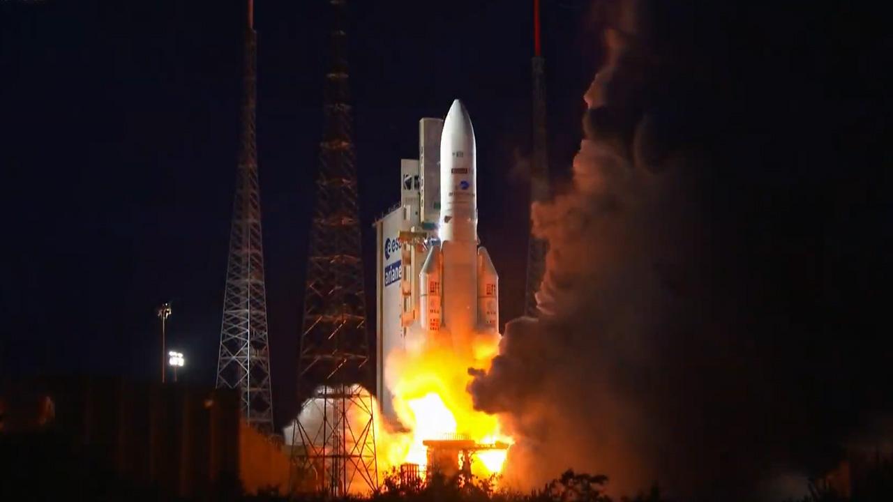 Ariane 5 réussit son troisième lancement de l'année