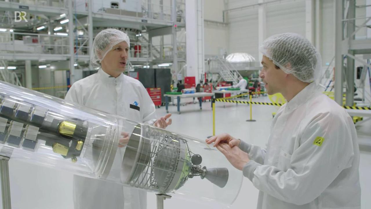 Checker Tobi besucht den ArianeGroup-Standort in Bremen
